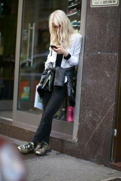 Milan-fashipn-week-street-stytle-day-2-september-2015-the-impression-035