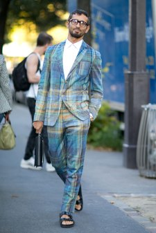 Paris-fashion-week-street-style-day-1-september-2015-the-impression-057