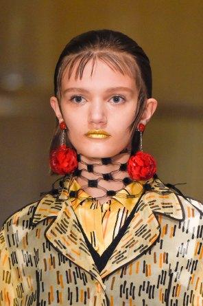 Prada-spring-2016-runway-beauty-fashion-show-the-impression-012