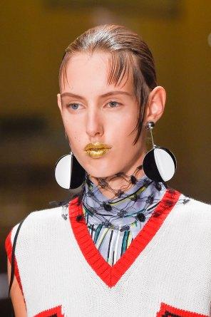 Prada-spring-2016-runway-beauty-fashion-show-the-impression-038