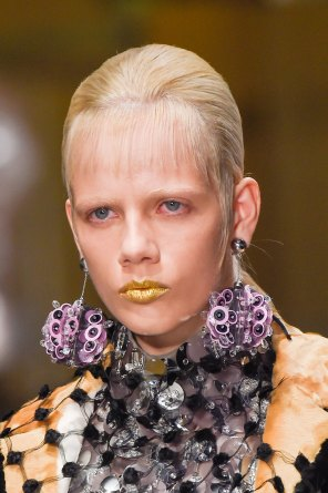 Prada-spring-2016-runway-beauty-fashion-show-the-impression-047