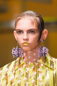 Prada-spring-2016-runway-beauty-fashion-show-the-impression-052