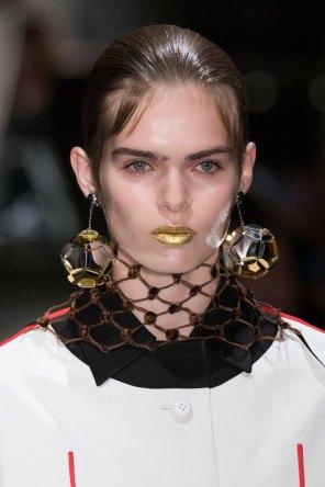 Prada-spring-2016-runway-beauty-fashion-show-the-impression-058