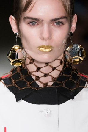 Prada-spring-2016-runway-beauty-fashion-show-the-impression-059