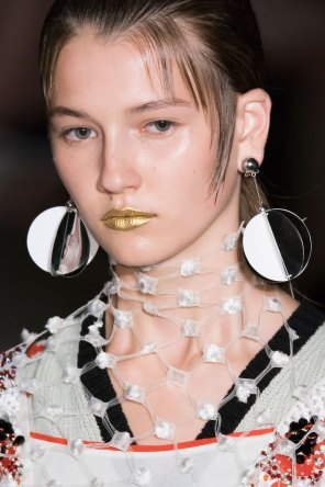 Prada-spring-2016-runway-beauty-fashion-show-the-impression-112