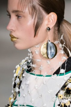 Prada-spring-2016-runway-beauty-fashion-show-the-impression-113