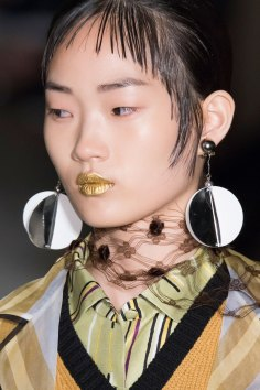 Prada-spring-2016-runway-beauty-fashion-show-the-impression-118