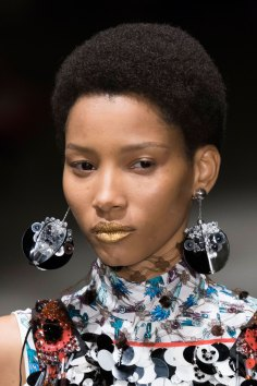 Prada-spring-2016-runway-beauty-fashion-show-the-impression-127