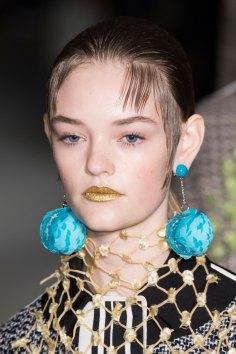 Prada-spring-2016-runway-beauty-fashion-show-the-impression-146