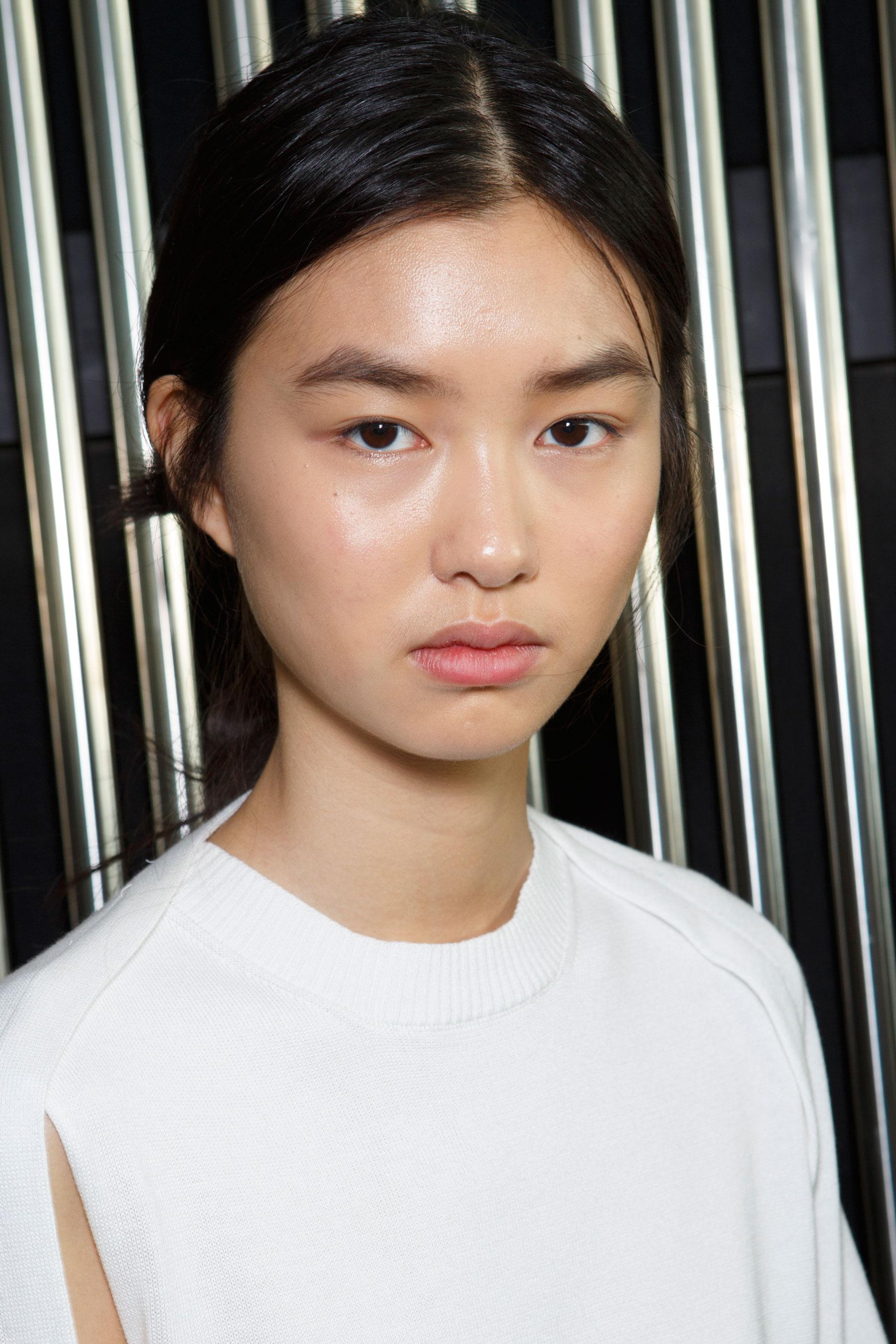 Preen-by-Thornton-Bregazzi-beauty-spring-2016-fashion-show-the-impression-003