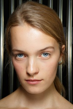 Preen-by-Thornton-Bregazzi-beauty-spring-2016-fashion-show-the-impression-006