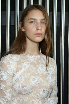 Preen-by-Thornton-Bregazzi-beauty-spring-2016-fashion-show-the-impression-018