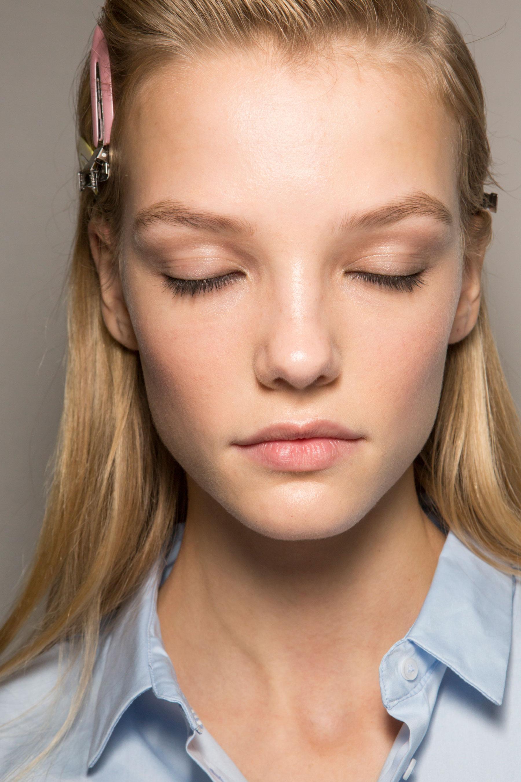 Roberto-Cavalli-Backstage-beauty-spring-2016-close-up-fashion-show-the-impression-082