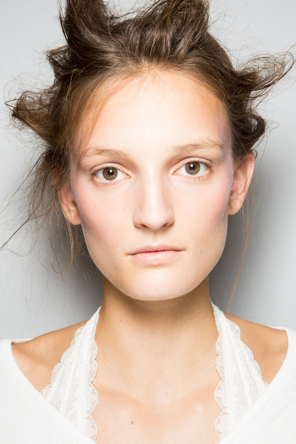 SIMONE-ROCHA-beauty-spring-2016-fashion-show-the-impression-051