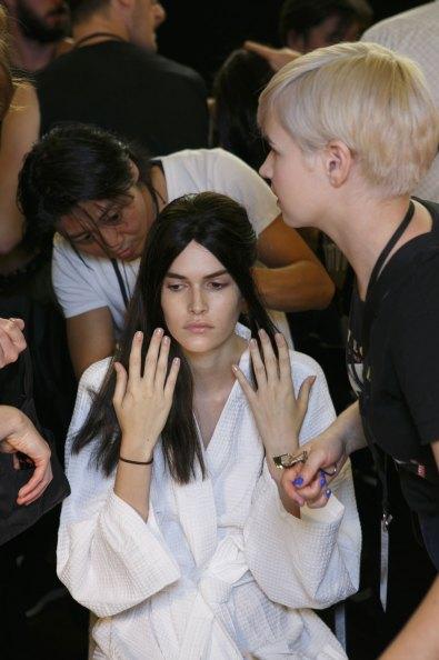 Vera-Wang-backstage-beauty-spring-2016-fashion-show-the-impression-26
