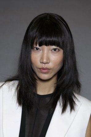 Vera-Wang-backstage-beauty-spring-2016-fashion-show-the-impression-44