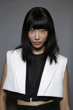 Vera-Wang-backstage-beauty-spring-2016-fashion-show-the-impression-45