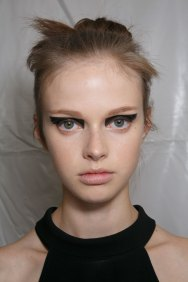 Vionnet-spring-2016-beauty-fashion-show-the-impression-34