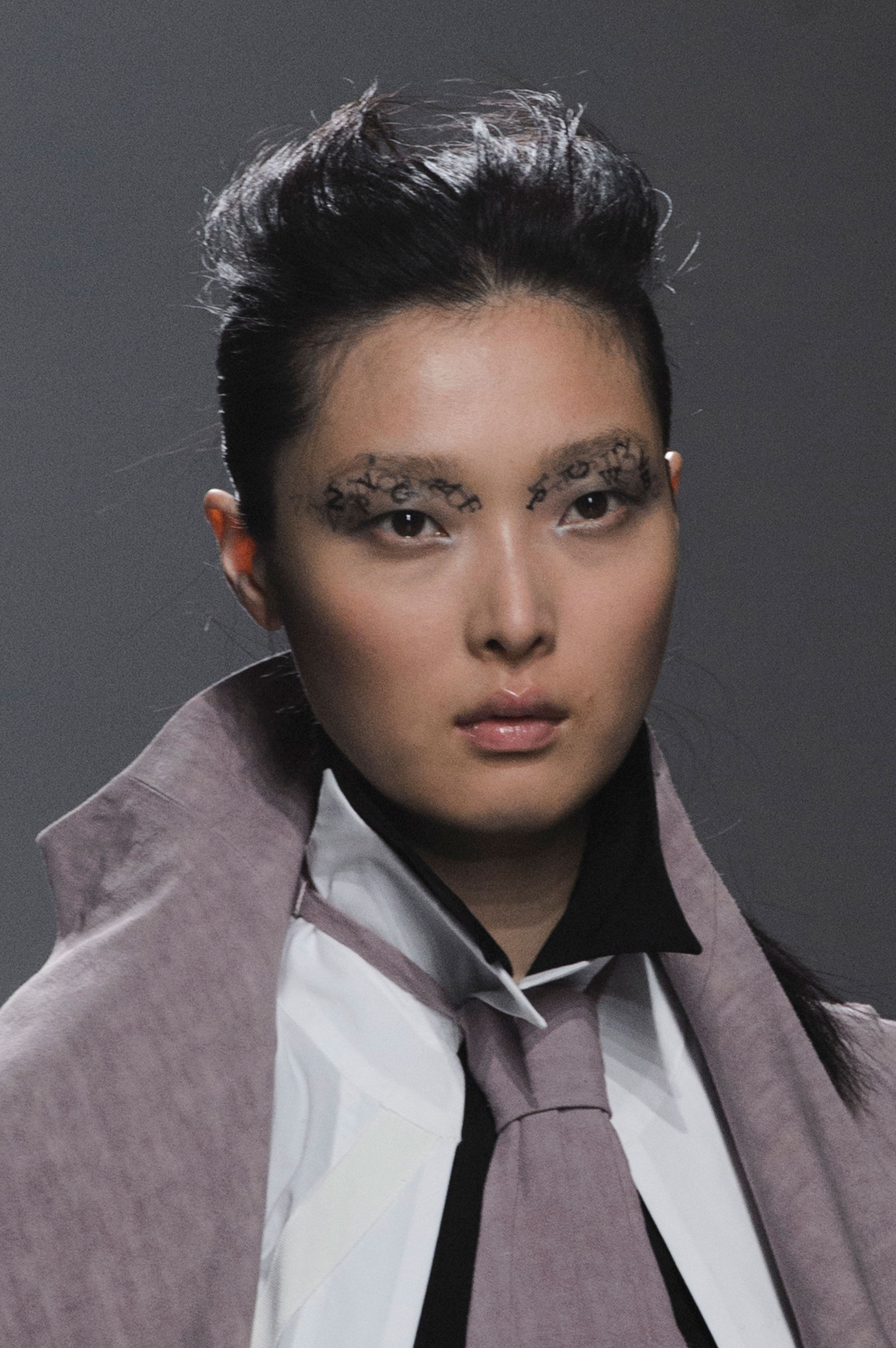 aganovich-spring-2016-runway-beauty-fashion-show-the-impression-06