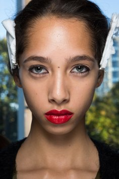 anthony-vaccarello-spring-2016-beauty-fashion-show-the-impression-05