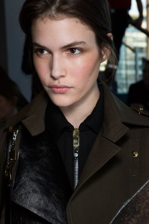 anthony-vaccarello-spring-2016-beauty-fashion-show-the-impression-24