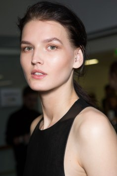 anthony-vaccarello-spring-2016-beauty-fashion-show-the-impression-27