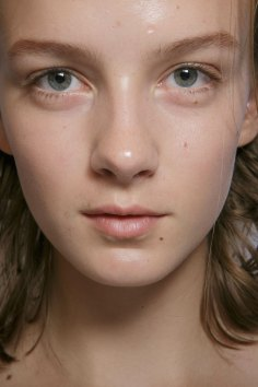 burberry-spring-2016-beauty-fashion-show-the-impression-14