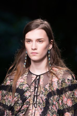 gucci-beauty-spring-2016-fashion-show-the-impression-003