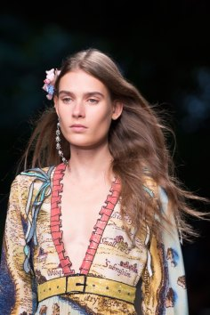 gucci-beauty-spring-2016-fashion-show-the-impression-004