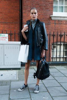 london-fashion-week-street-style-day-2-spring-2016-fashion-show-the-impression-026
