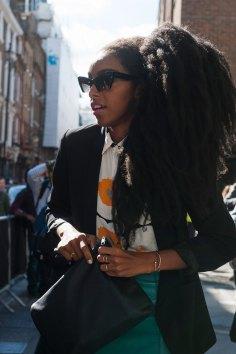 london-fashion-week-street-style-day-2-spring-2016-fashion-show-the-impression-086