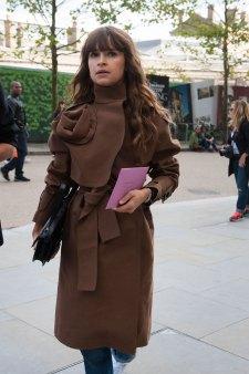 london-fashion-week-street-style-day-2-spring-2016-fashion-show-the-impression-088