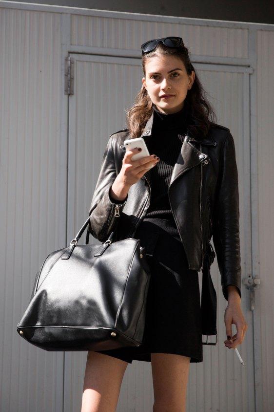 milan-fashion-week-street-style-day-3-september-2015-the-impression-040