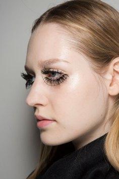 thomas-tait-spring-2016-beauty-fashion-show-the-impression-16