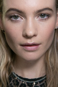 versace-backstage-beauty-spring-2016-fashion-show-the-impression-006