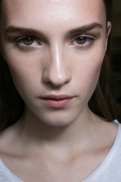 versace-backstage-beauty-spring-2016-fashion-show-the-impression-021