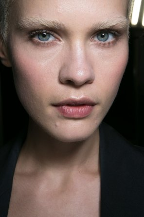 versace-backstage-beauty-spring-2016-fashion-show-the-impression-025