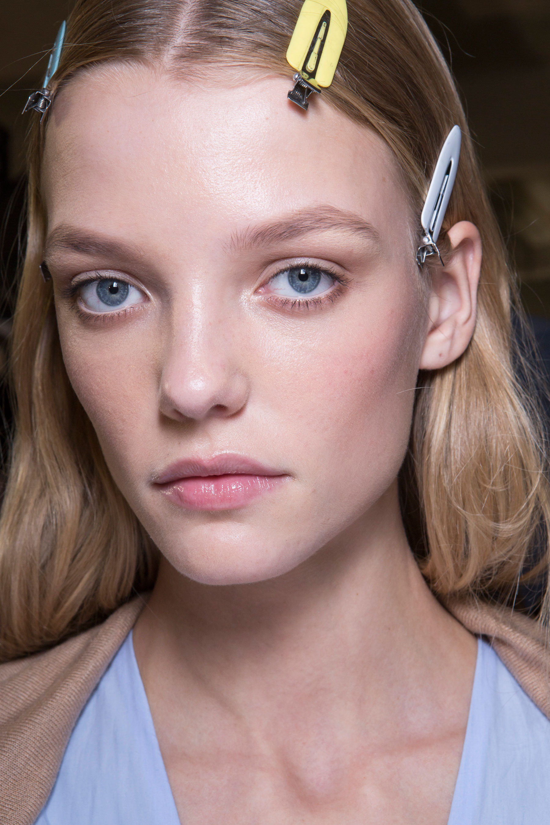 versace-backstage-beauty-spring-2016-fashion-show-the-impression-066