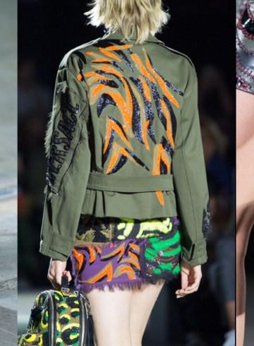 Versace Spring 2016 Fashion Show close-ups details photo