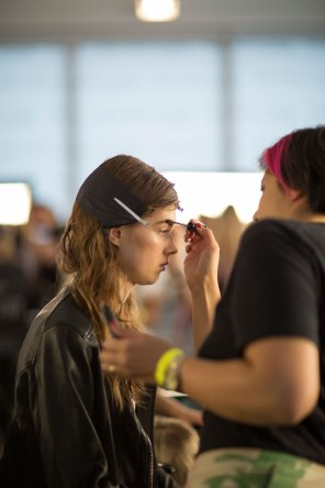 wes-gordon-backstage-beauty-spring-2016-fashion-show-the-impression-11