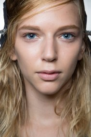 wes-gordon-backstage-beauty-spring-2016-fashion-show-the-impression-21