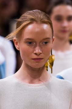 Allude-spring-2016-runway-beauty-fashion-show-the-impression-19