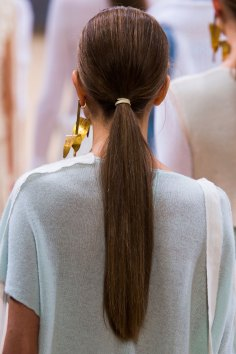 Allude-spring-2016-runway-beauty-fashion-show-the-impression-20