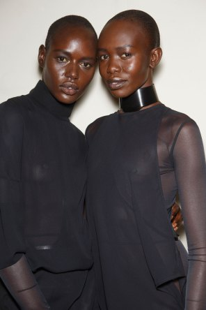 Ann-Demeulemeester-spring-2016-beauty-fashion-show-the-impression-25