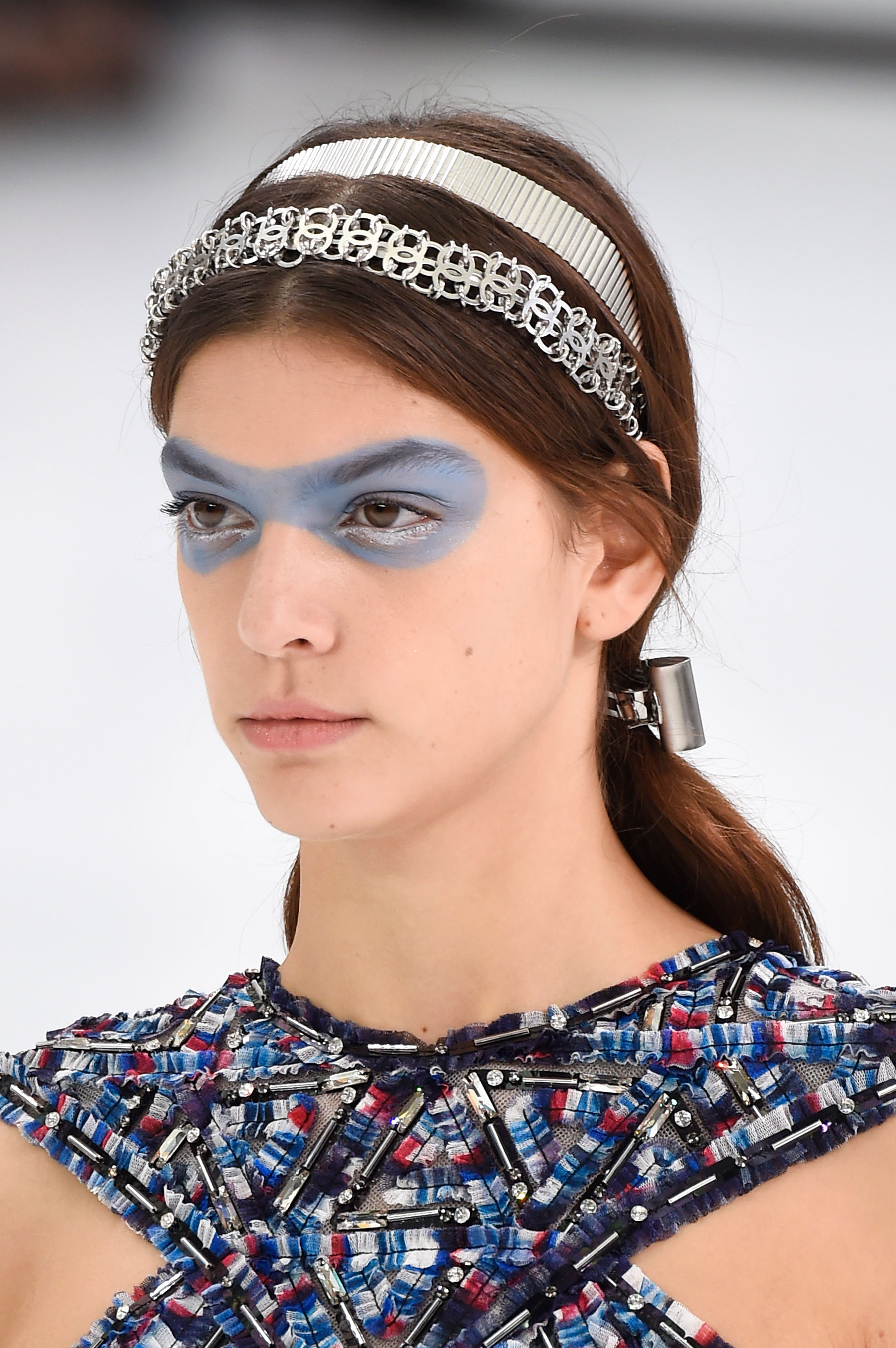 Chanel-spring-2016-runway-beauty-fashion-show-the-impression-05