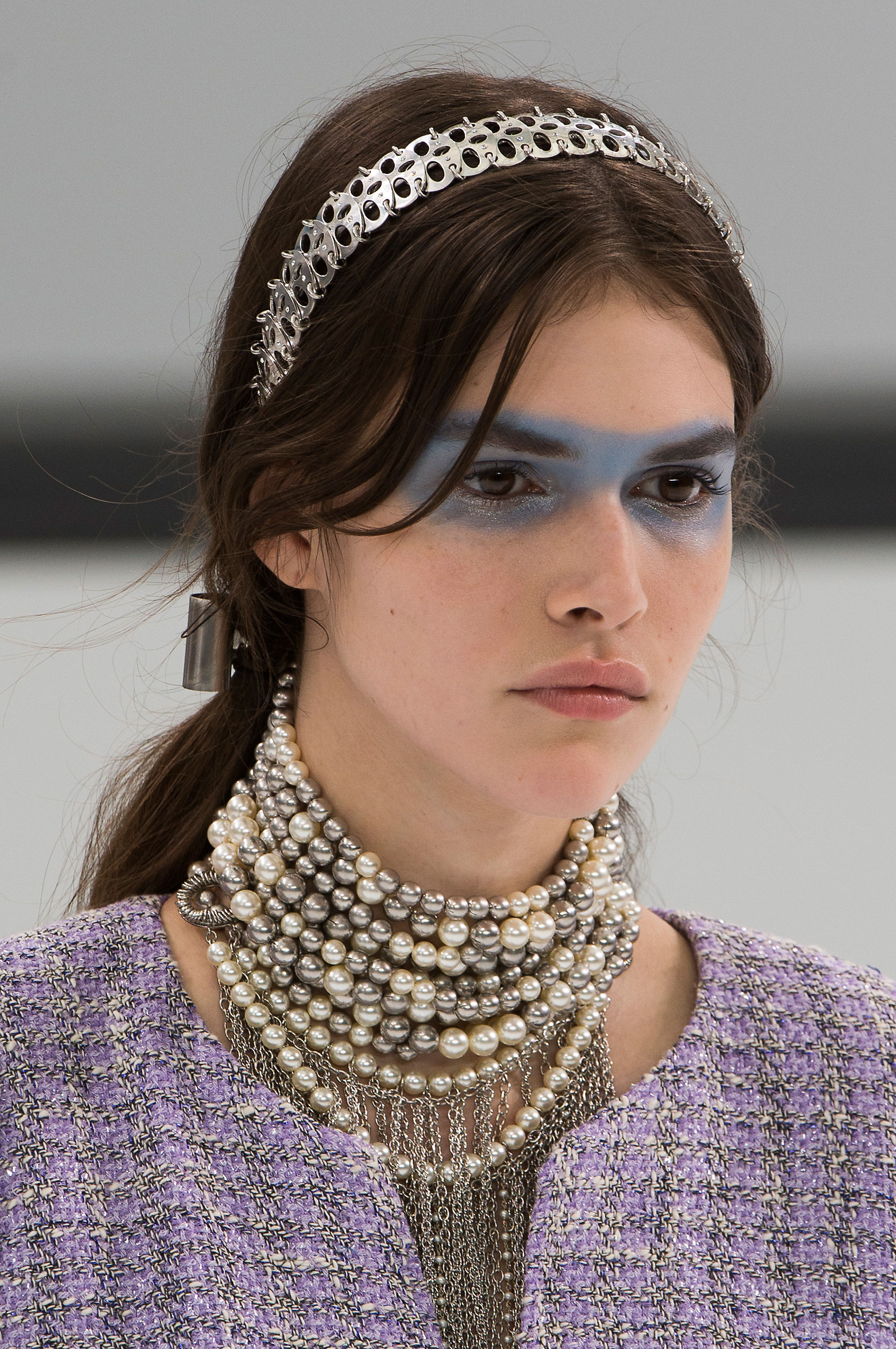 Chanel-spring-2016-runway-beauty-fashion-show-the-impression-34