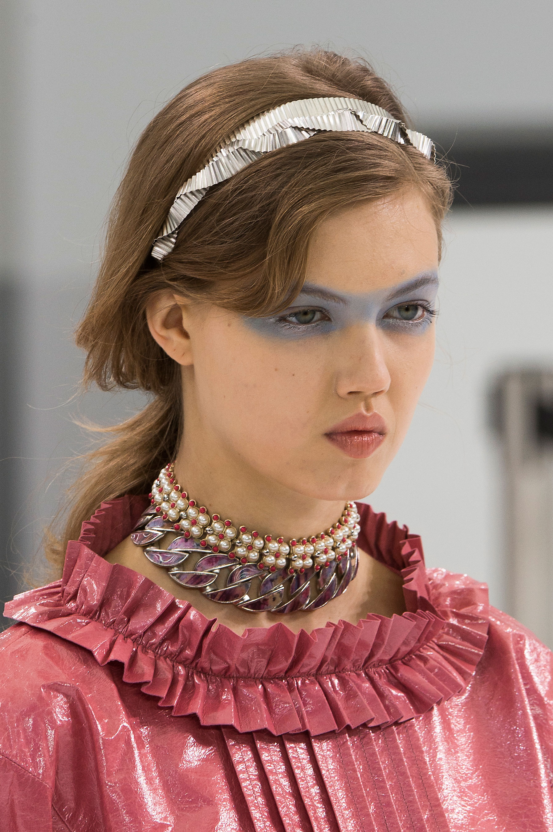 Chanel-spring-2016-runway-beauty-fashion-show-the-impression-37