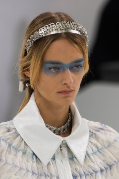 Chanel-spring-2016-runway-beauty-fashion-show-the-impression-44