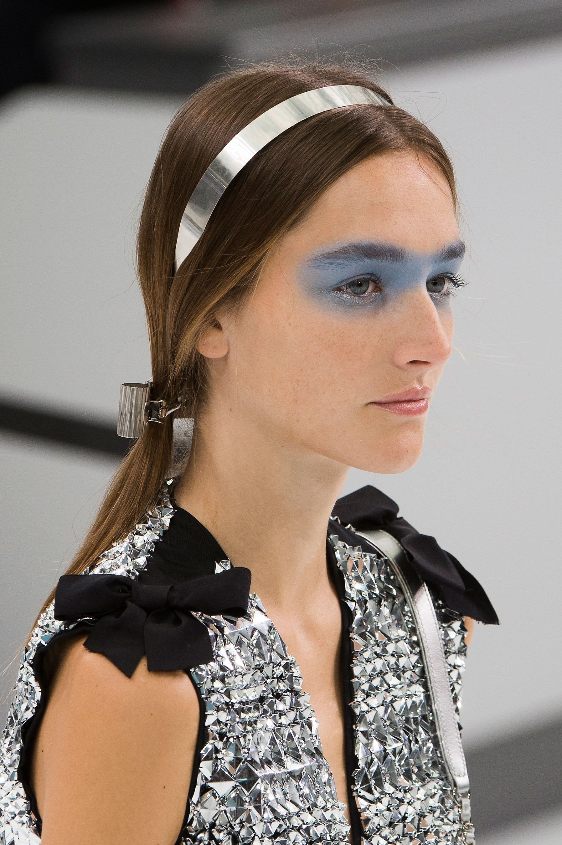 Chanel-spring-2016-runway-beauty-fashion-show-the-impression-47