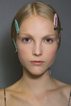 Dior-backstage-beauty-spring-2016-fashion-show-the-impression-001